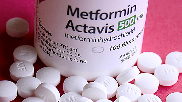 type_2_nation_metformin_risk_vitamin_deficiency_bottle_pills_620px