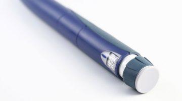 Informacion_Sobre_Diabetes_debe_extraer_insulina_para_inyecciones_jeringa_plumas_830x420px